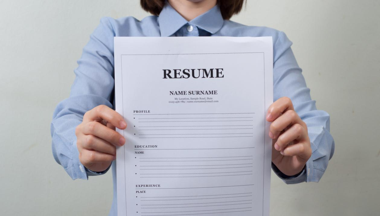 things you should not do when writing your resume smooth avoid these resume don ts if you want to be in a chance of