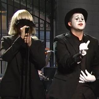 Sia performs faceless on SNL live