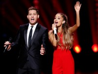 Ariana Grande and Michael Buble sing a duet