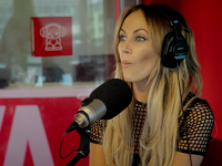 Samantha Jade caufght up with Smallzy and he tried his pick up lines on her