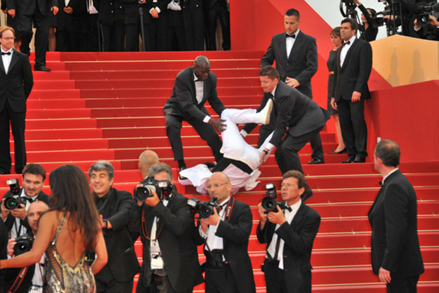 Man falling over at the Cannes