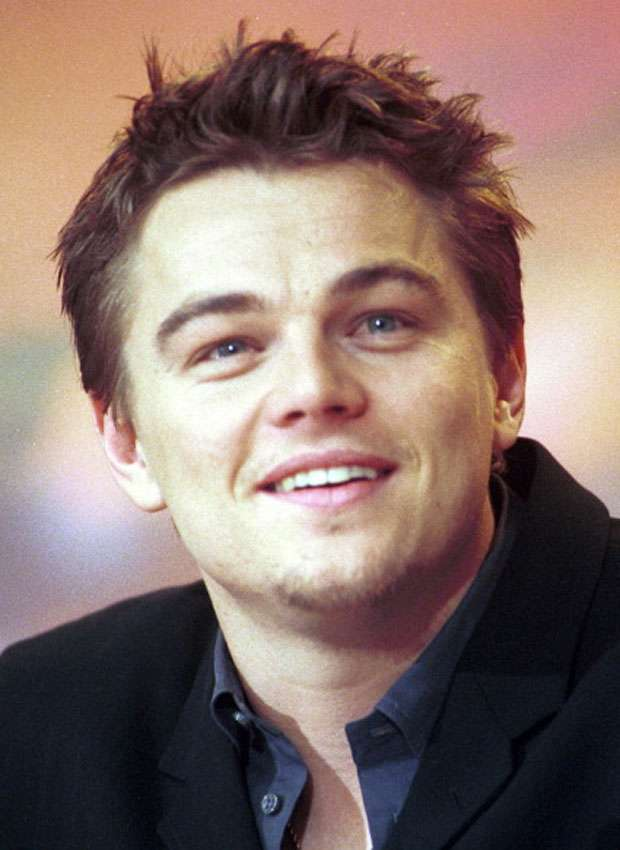 Pin up Leonardo DiCaprio - at The Beach premiere