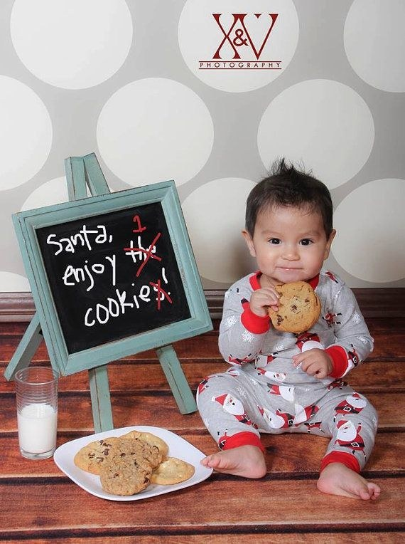 14 babies nailing their first christmas photos smooth babies winning at their first christmas photo shoot solutioingenieria Choice Image